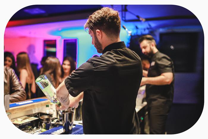 barista-Drink-Junior-club-rastignano-bologna.eventi-piscina-party