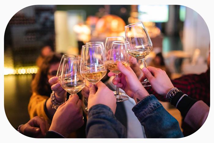 brindisi-Drink-Junior-club-rastignano-bologna.eventi-piscina-party